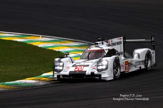 Pole com Timo Bernhard, Mark Webber e Brendon Hartley (Porsche Team/LMP1) - 1min17s676