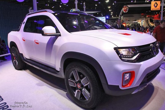 Renault Duster Oroch (02)