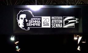 Salão Automoveis 2014 homenagem Ayrton Senna capacetes cartaz 3