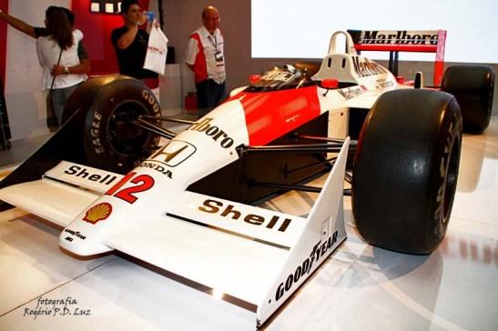 Salão Automovel 2014 carros competição McLaren MP4.8 1993 (04)