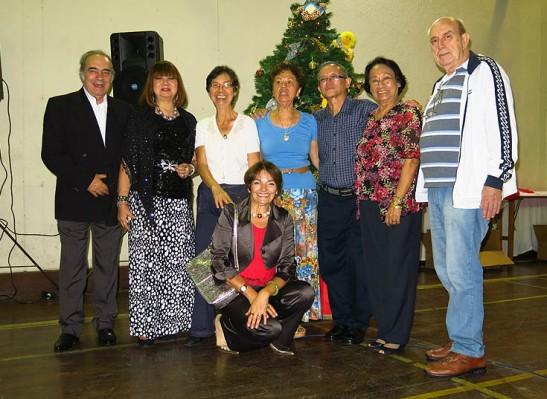 da esq. Manuel e Yolanda Ramos, Judite Manhão Branco, Natércia e Vitor Placé, Celeste Silva, Totó Branco e Mia Luz agachada.