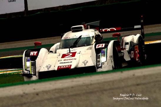 Tom Kristensen, Loic Duval, Lucas Di Grassi (Audi Sport Team Joest/LMP1)