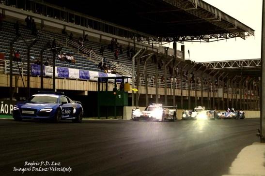 Devido ao grave acidente com o Porsche 919 nº 40 faltando 29 minutos para o término, a corrida terminou com o safety car liderando uma fila de carros