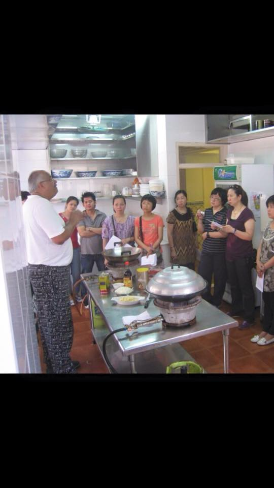 Fernandes promove aula de culinária macaense