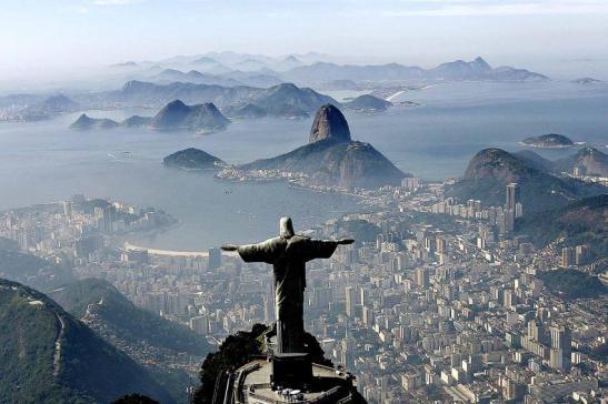 Cristo Redentor e a cidade. De Fotos Públicas: foto Ricardo Stuckert