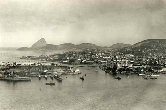 Ilha das Cobras em primeiro plano, c. 1921. Fotógrafo não identificado/ col. Gilberto Ferrez/ acervo IMS