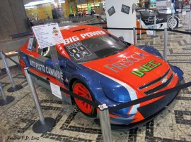 Chevrolet Vectra modelo antigo da categoria Stock Car brasileira e hoje disputa na categoria Força Livre