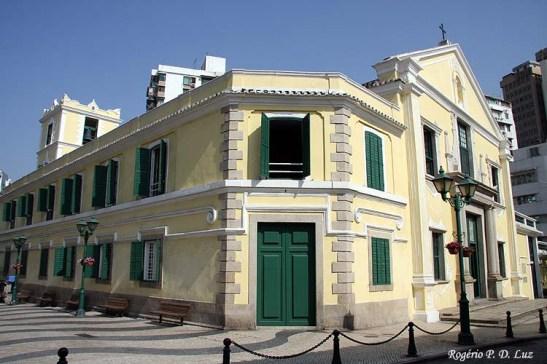 As calçadas portuguesas na região da Igreja de Sano Agostinho em 2007