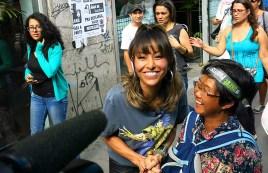 Sabrina Sato e artistas de rua (09)