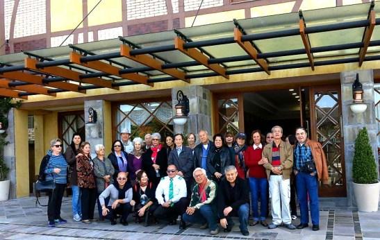 O nosso grupo da excursão diante do hotel