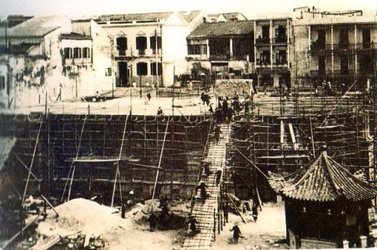 Edifício do CTT em construção, em 1930