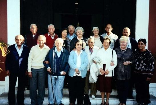 Associados da Terceira Idade da Casa de Macau de São Paulo numa foto tirada a cerca de 15 anos atrás. Um momento para prestar uma homenagem aos que já estão falecidos.