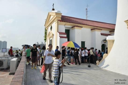 O Farol atrai turistas chineses vindos do continente da China. Foto de M.V. Basílio