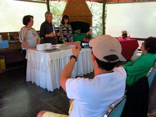 Antes o início da sula, Rolando Luz faz uma exposição sobre o prato macaense