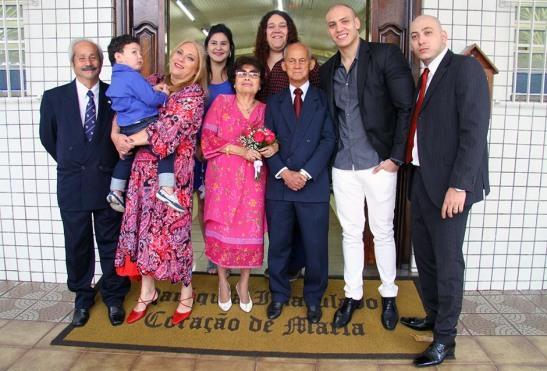 A família de Mariazinha e Chicói reunida