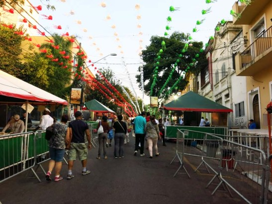 A Rua 13 de Maio antes da festa começar