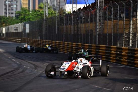 Felix Rosenqvist na dianteira. Fonte: CGPM