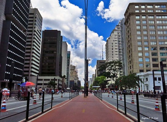 Paulista sem carros aos domingos em São Paulo