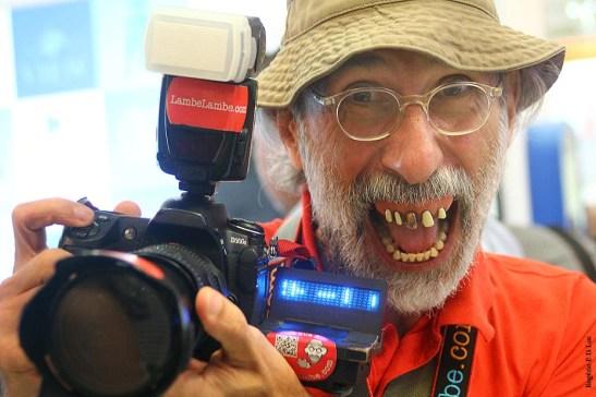 O fotógrafo LambeLambe é uma figura tradicional das feiras de fotografia