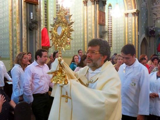 Pascoa 2016 Igreja Divino Espirito Santo 5a.F Santa 17