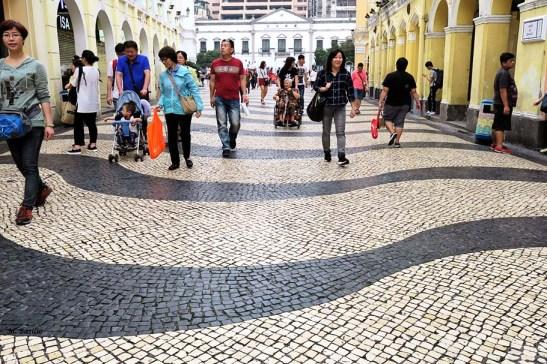22 Macau - Calcada portuguesa no Largo do Senado