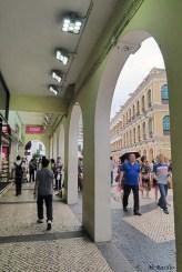 Arcada do Edifício Comercial China (local do antigo edificio da Associação Comercial de Macau)