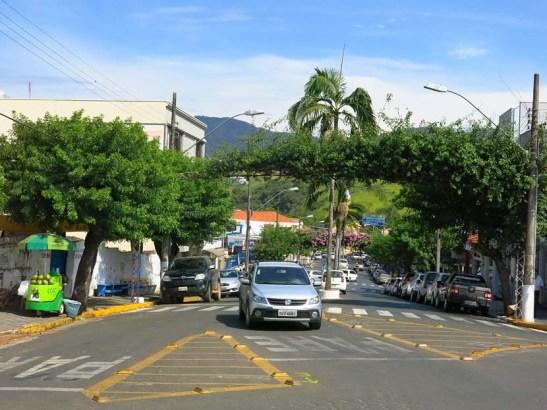Monte Sião, conhecida como a Capital Nacional do Tricô devido a industrialização na área têxtil especialmente da confecção de tricô.