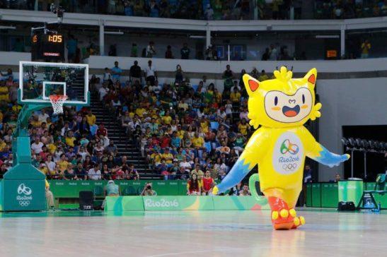 Rio de Janeiro - Basquete masculino do Brasil é derrotado pela Lituânia por 76 a 82 na estréia nos Jogos Olímpicos Rio 2016, na Arena Carioca, no Parque Olímpico. (Fernando Frazão/Agência Brasil)