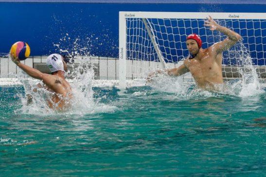 Rio de Janeiro - Seleção masculina brasileira de polo aquático vence a da Sérvia por 6 a 5 nos Jogos Olímpicos Rio 2016 no Parque Aquático Maria Lenk (Fernando Frazão/Agência Brasil)