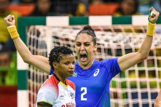 Jogos Olímpicos Rio2016 - RIO DE JANEIRO - 12/08/2016 -Handebol Feminino - Jogos Olímpicos Rio2016 - Brasil x Angola - Brasil - rj - Rio de Janeiro - - - www.inovafoto.com.br - id:114617