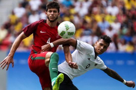 Brasília - A seleção da Alemanha enfrenta a seleção de Portugal pelas quartas de final do futebol, no estádio Mané Garrincha, em Brasília. ( Marcelo Camargo/Agência Brasil)