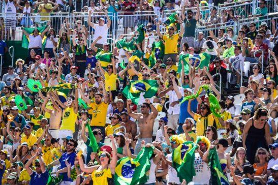 Brasil x Espanha - Os brasileiros Alison e Bruno Schmidt venceram nesse s·bado (13.08) os espanhois Gavira e Herrera na Arena de VÙlei de Praia, em Copacabana. Foto: Celio Messias/ Inovafoto - Brasil - 0 - Rio de Janeiro - Copacabana Arena - - www.inovafoto.com.br - id:115051