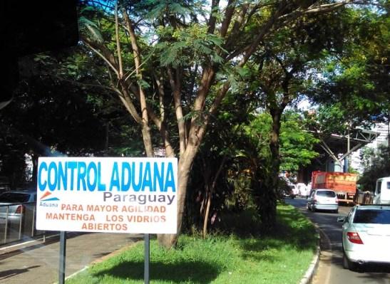Já no Paraguai, a aduana do país
