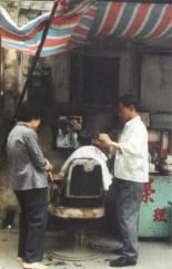 macau-barbeiros-ao-ar-livre-1986