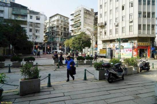 Largo do Pagode do Bazar, atravessado pela Rua de Cinco de Outubro. Foto M.V. Basílio