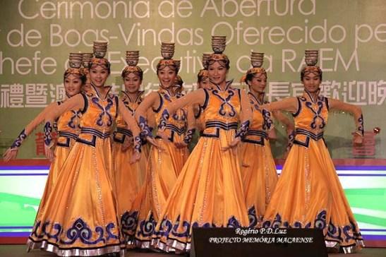 macau-mulheres-chinesas-dancarinas-evento-encontro-comunidades-macaenses-2007-03