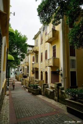 Rua do Lilau em direcção à Travessa de António da Silva. Foto M.V. Basílio