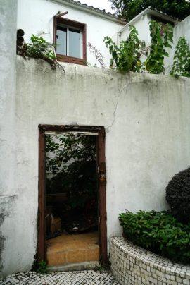 Casa desabitada, entre o Beco do Lilau e a Calçada do Lilau. Foto M.V.Basílio