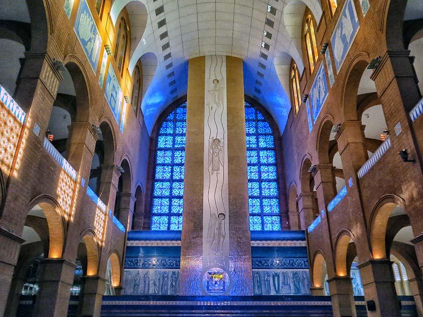 File Frente Da Basílica De Nossa Senhora Aparecida: 300 Anos De Nossa Senhora