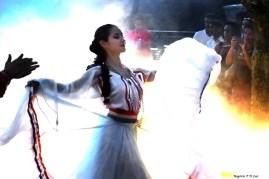 Marco das 3 Fronteiras no Brasil dança Paraguai (03)